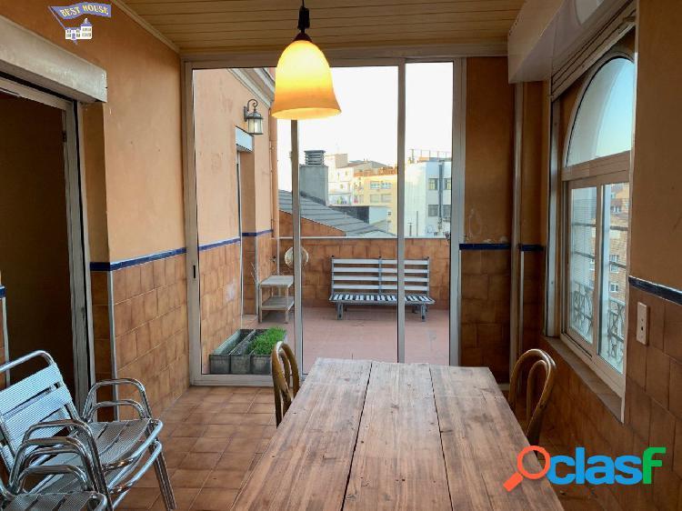 Amplio piso en zona centro con terraza