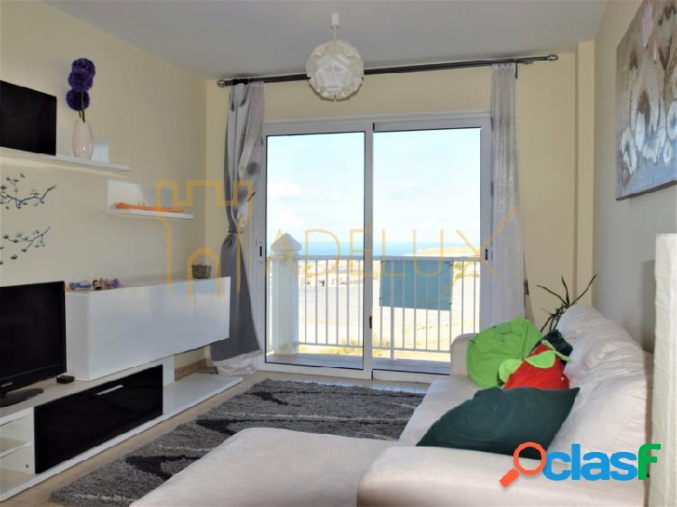 Apartamento de 3 habitaciones con estupendas vistas al mar,