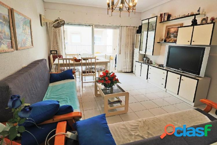 Apartamento en buen estado en la playa de los Náufragos,