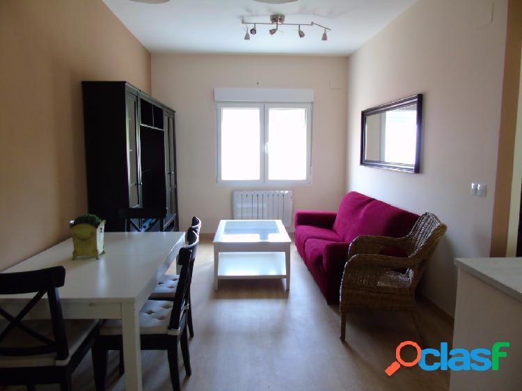 Apartamento totalmente reformado con mobiliario y