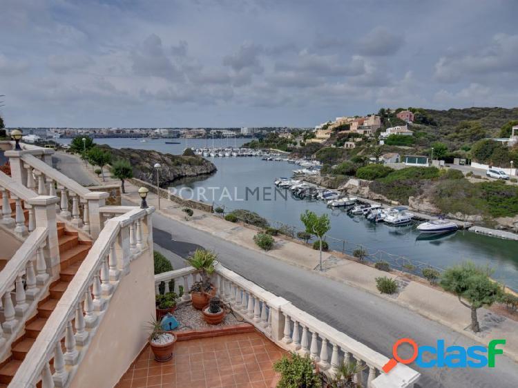 Bonito Chalet con vistas al puerto de Mahon con tres