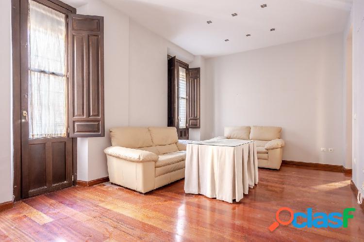 Bonito piso en el Centro de Granada