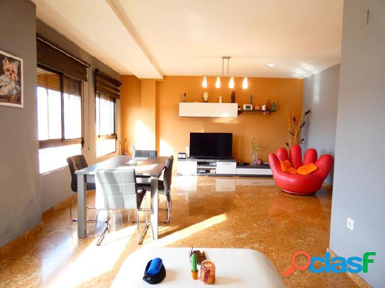 Bonito piso seminuevo con opción a garaje cerrado Zona