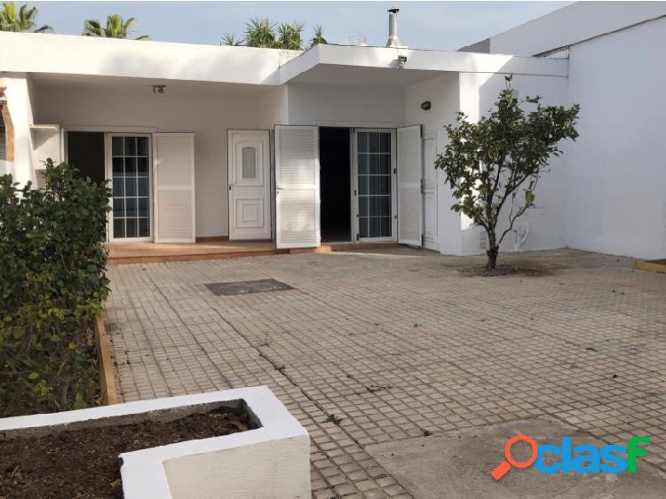 Bungalow de 2 habitaciones y 1 baño con amplio jardín a