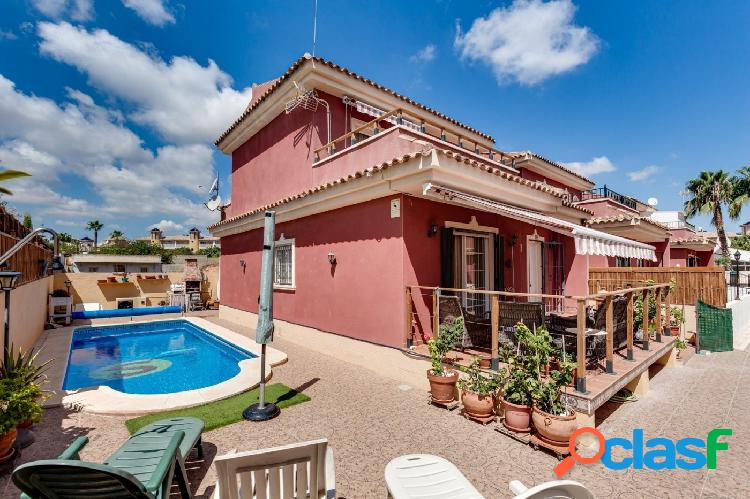 CHALET INDEPENDIENTE CON PISCINA PRIVADA EN CAMPOAMOR,