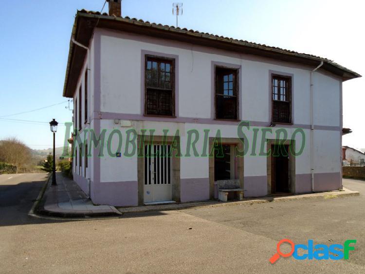 Casa De Piedra Independiente con Cochera y Patio