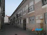 Casa adosada de 3 plantas con 3 dormitorios SEMINUEVA con