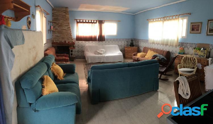 Casa con terreno en Orihuela zona EL RAIGUERO