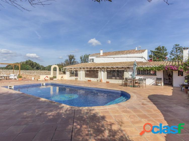 Casa de campo con piscina y licencia turística