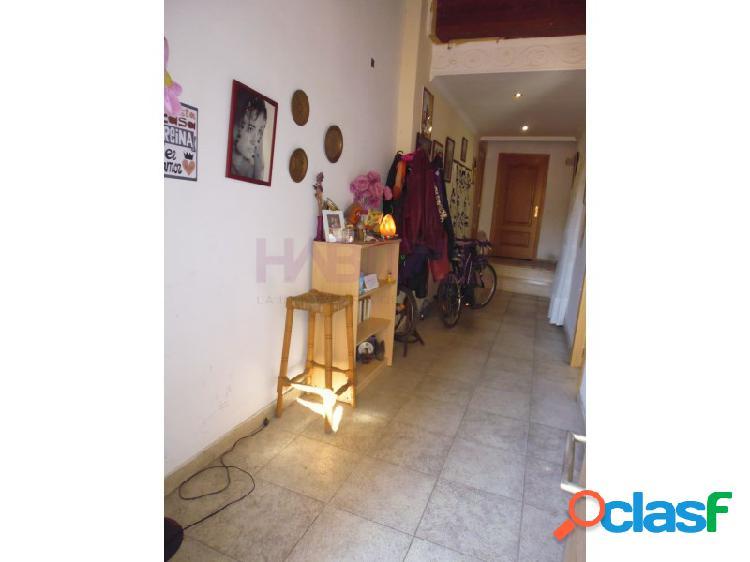 Casa de pueblo en venta en Alzira.