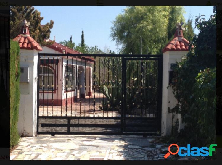 Chalet con casa de huéspedes en Crevillente