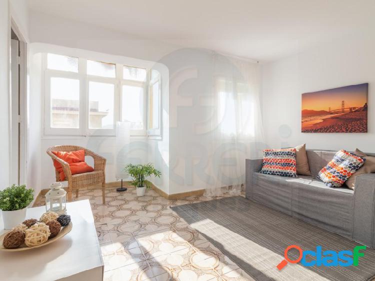 Coqueto piso en Nou Barris.