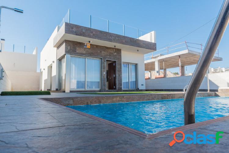 Dúplex en Villamartin con jardin y piscina privada