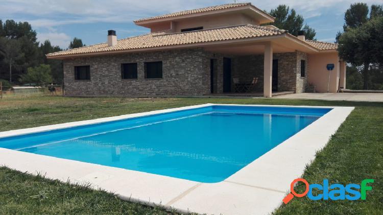 Espectacular casa a 4 vientos con piscina.