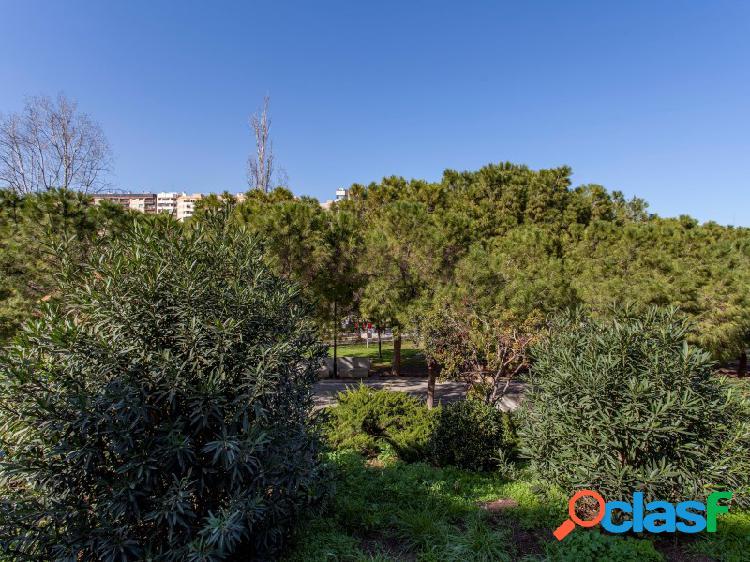 Estupendo piso con vistas a los Jardines del Turia