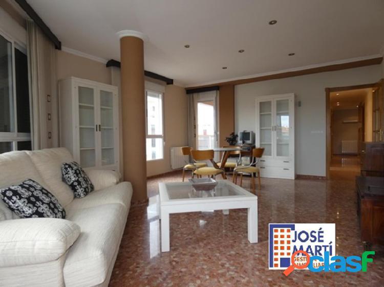Excelente y bonito piso completo, amplio y completamente