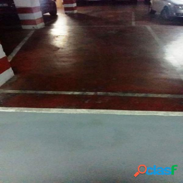 FANTASTICA Y ESPACIOSA PLAZA DE PARKING JUNTO A COLON, CON