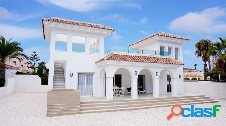 Fantástica villa de estilo moderno y mediterráneo