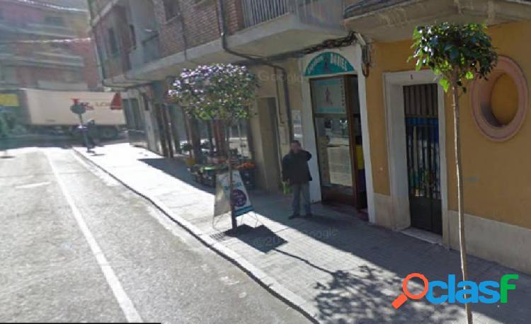 LOCAL COMERCIAL JUNTO A AVENIDA TRES CRUCES CON BAÑO POR
