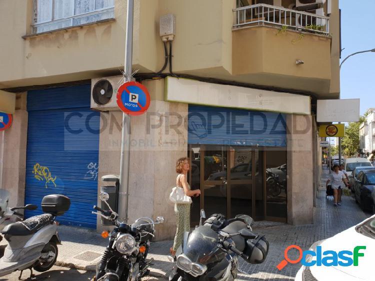 Local comercial con 62 m2 en esquina REINA MARIA CRISTINA