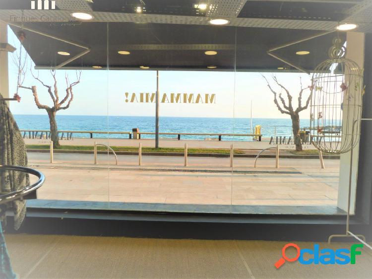 Local de 100 m2 con vistas al mar en 1ª línea de Sant
