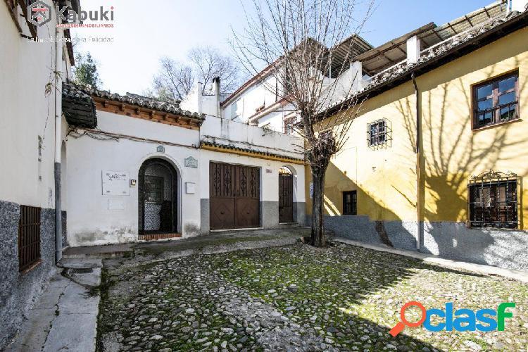 Magnífica casa en el Albayzin, en Cuesta del Chapiz. 2x1,