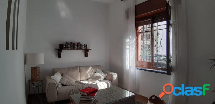 Magnífico piso en alquiler junto a la Plaza de San Lorenzo.