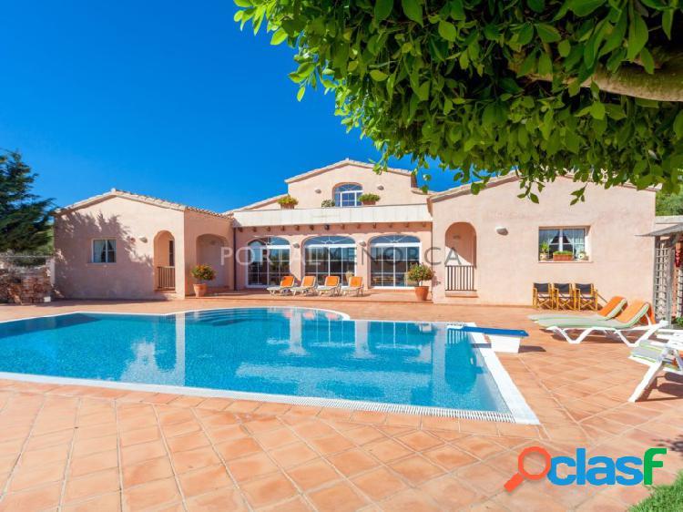 Magnifica casa de campo con terreno y piscina en Sant Lluis