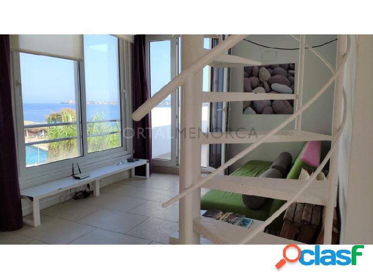 Moderno apartamento tipo duplex con vistas al mar