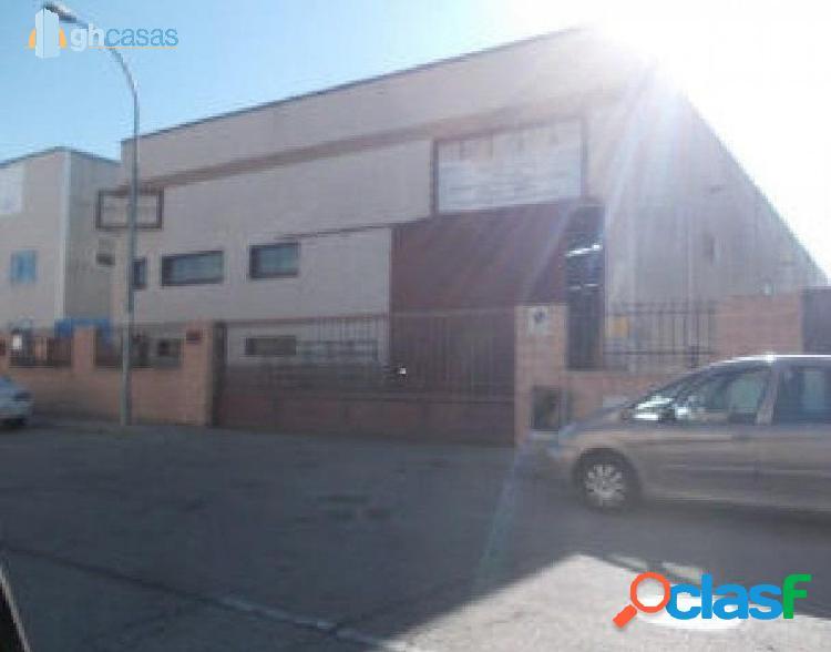 Nave en venta en Loeches, Madrid