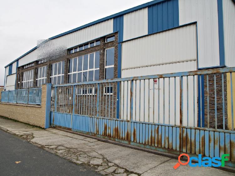 Nave en venta y Alquiler en el Pol. Industrial de Valverde