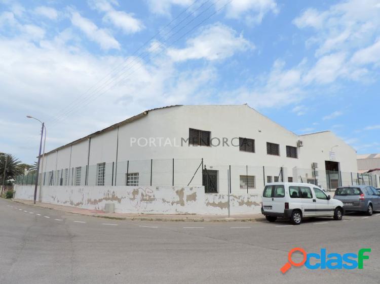 Nave industrial en venta o alquiler en Es Castell