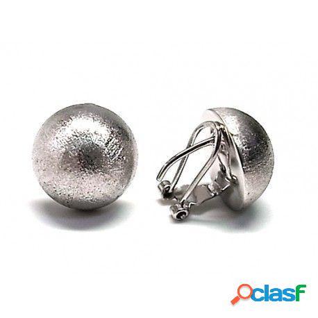 Pendientes de plata matizada media bola 16 mm. cierre omega