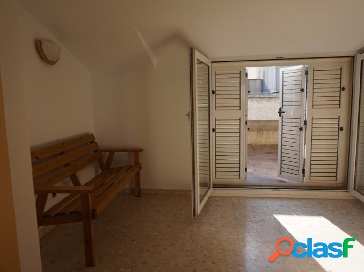 Pineda centro, calle del Mar: Ático dúplex de 84 m2 en muy