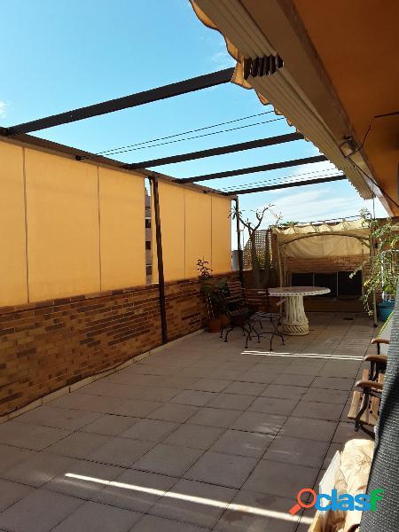 Piso con terraza en Barrio San Miguel