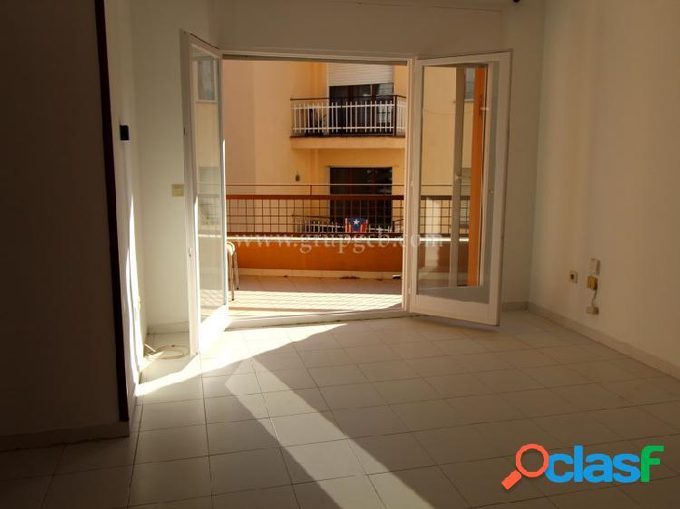 Piso de 3 habitaciones en el centro de Lloret de Mar.