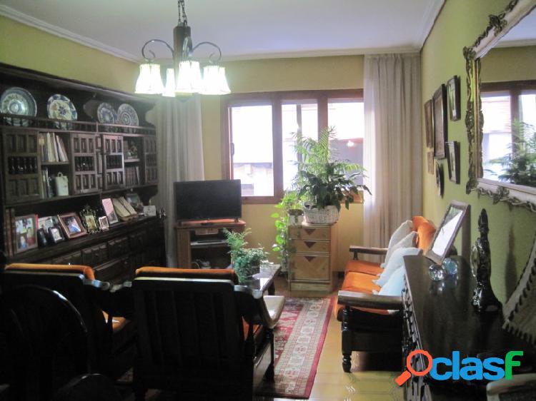 Piso de 4 habitaciones en zona centro de Segovia