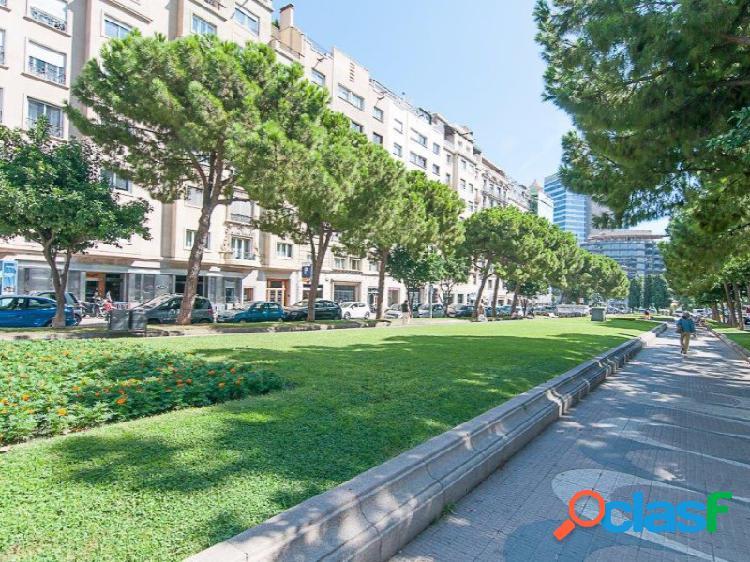 Piso de 550 m2 en Turo Parc con 2 plazas de parking