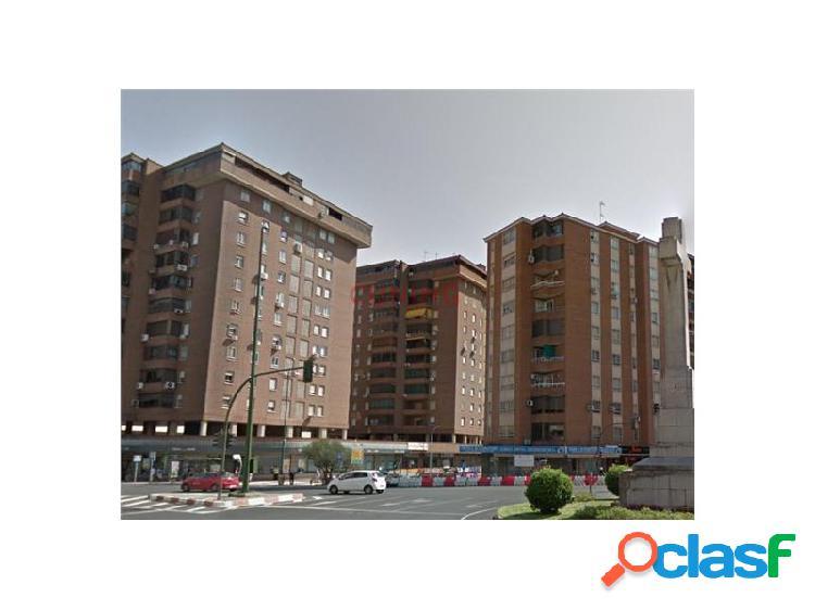 Piso en el centro de Cáceres con plaza de garaje.