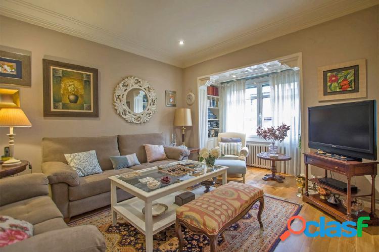Piso en venta 117m2 con 4 habitaciones en Carrer Bruc junto