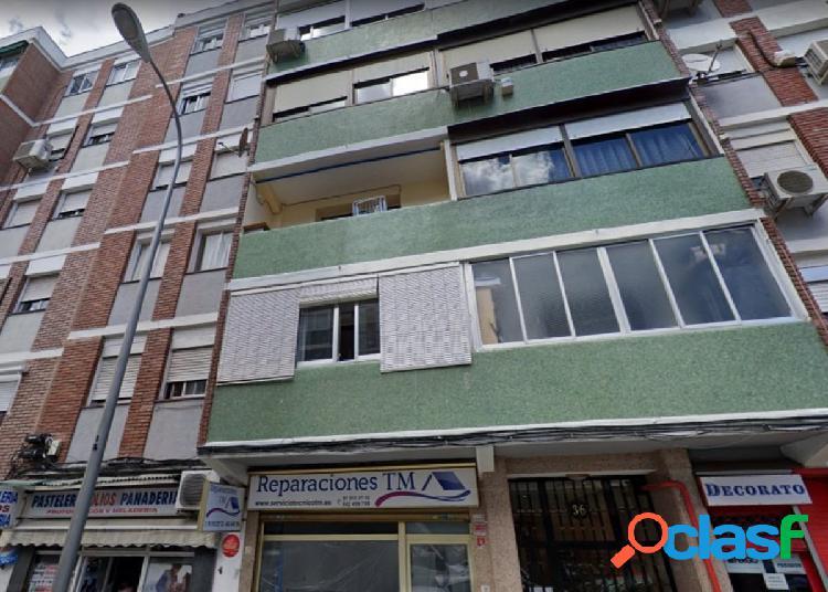 Piso en venta en Barrio de Ventas, zona La Elipa, Madrid.