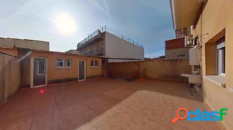Planta baja con terraza de 80 m2 aprox.