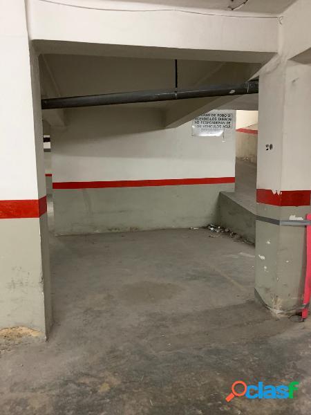 Plaza de garaje Torrent de 11,79 m2 útiles en finca junto a