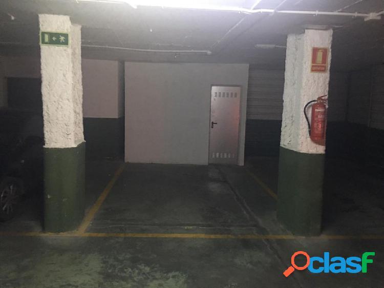Plaza de garaje en venta junto a Plaza Nueva