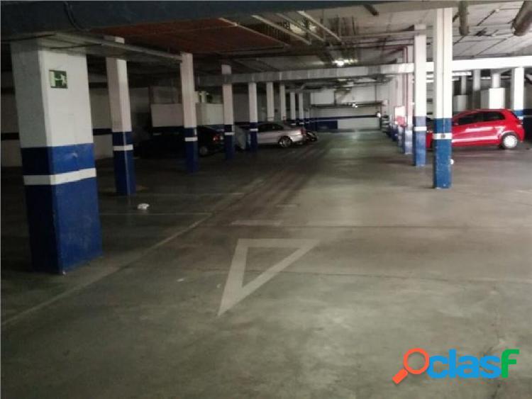 Plaza de garaje en venta junto al centro comercial Megaocio.