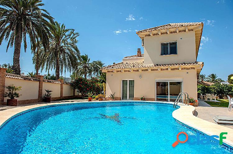 Preciosa Villa en Cabo Roig, Orihuela Costa a 200 m de la