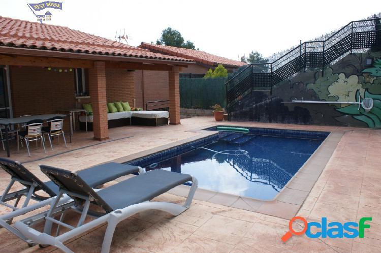 Preciosa casa seminueva con piscina, jardín, parking, 4