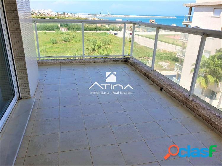 Precioso apartamento con fantásticas vistas al mar situado