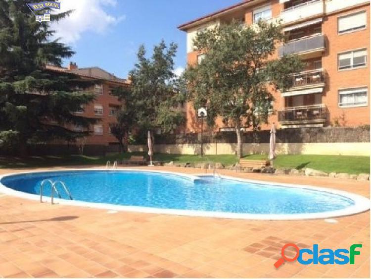 Precioso piso 2 hab, parking y piscina comunitaria Sant