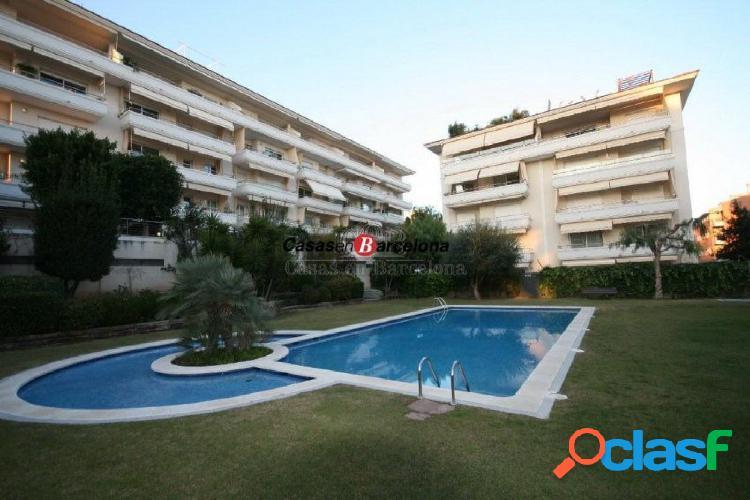 Precioso piso de 150m2 con 4 hab. jardín y piscina